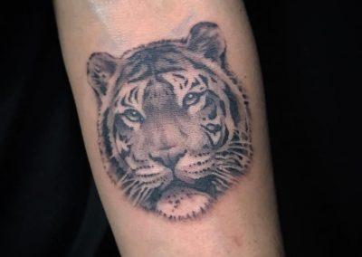 Black-and-grey-black-work-tattoo-bangkok00007