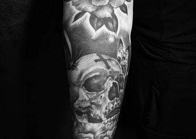 Black-and-grey-black-work-tattoo-bangkok00009